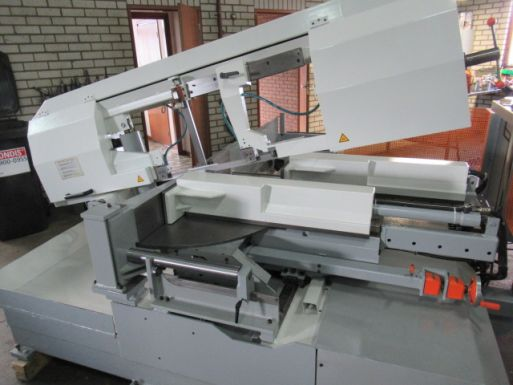 Automatic bandsaw machine Kasto SBA 320/500 AU-DG - Sawing machine