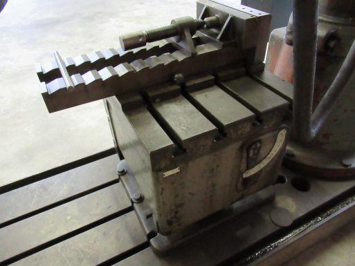 Radial drilling machine MAS VR-4 - Drillingmachine